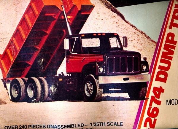 International F 2674 Dump Truck 1 25