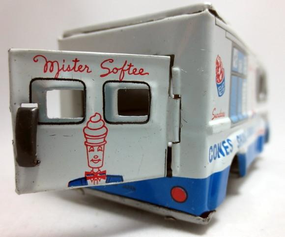 Mister Softee Friction Drive Tin 1960 U0026 39 S Ice Cream Truck  1  43