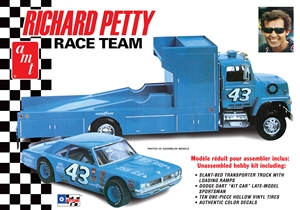 Richard Petty Race Team Hauler with Petty Dart (1/25) (fs)