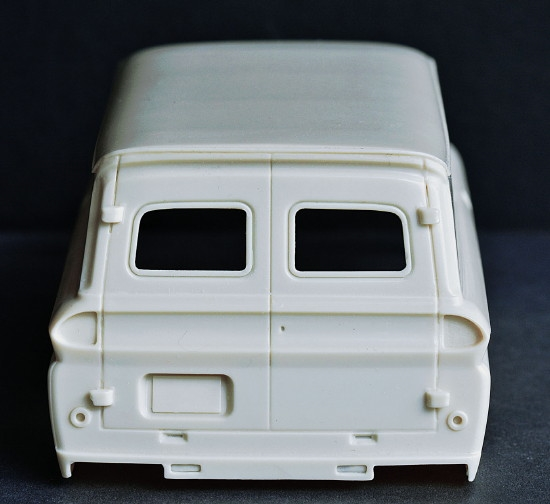 """1966 Chevy Suburban Custom Delivery Truck (1/25) """"Resin"""