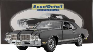 1971 OLDSMOBILE CUTLASS SUPREME-VERY LTD ED 2000 MADE(1/18) Rare Diecast  (fs)