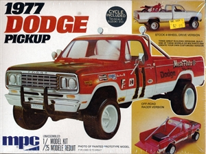 1977 Dodge Pickup 4X4 with Suzuki 250 Cycle (3 'n 1 ) Stock, Utility or Off-road (1/25) (fs) MINT