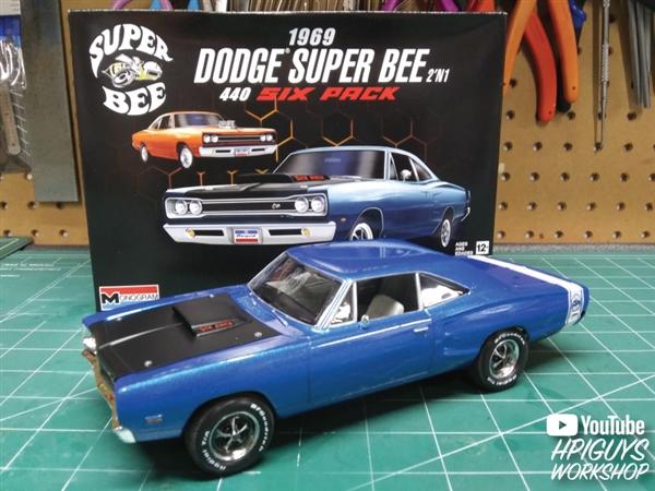 1//24 KIT Model Car Mountain FS 2 in 1 Revell 85-4505 1969 Dodge Super Bee 440