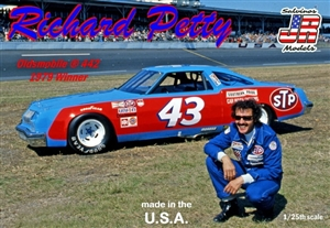 "1979 Oldsmobile 442 ""Richard Petty STP  # 43"" (1/25) (fs) Scratch and Dent"