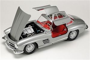 1954 Mercedes Benz 300SL Sports Car (1/24) (fs)